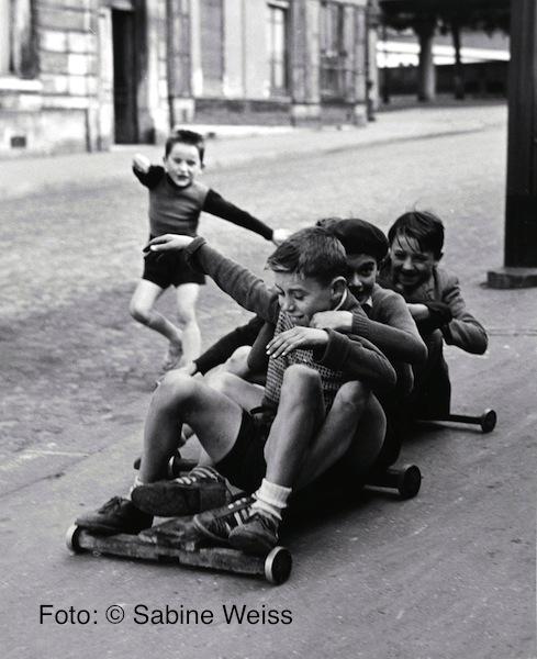 12 Sabine Weiss, Paris, 1952