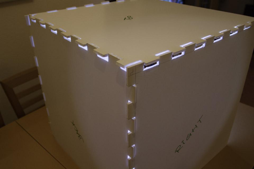 Lichtbox: Zusammenstecken