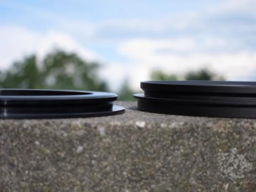 Lee-Adapter (links) im Vergleich zum Badpter (rechts)