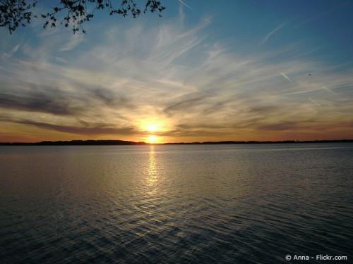 © Sonnenuntergang am Chiemseeufer (Anna / Flickr, CC BY-SA 2.0)