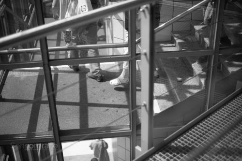 Treppe Abwärts - Wupperschweben © Joerg Knoerchen - Sensorgrafie