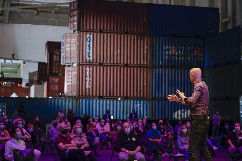 Keyspeaker Jimmy Nelson auf der Photopia Stage